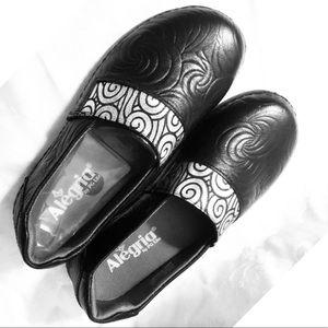 Alegria Shoes - NIB Alegria Glee Slip-on Shoes